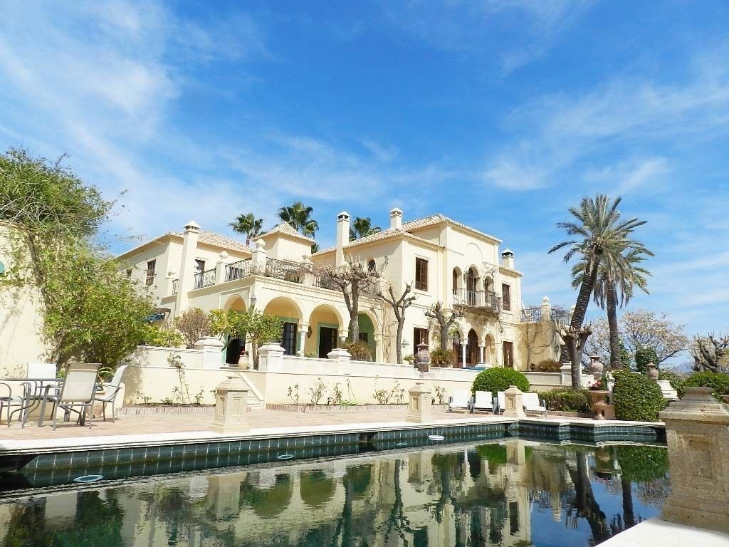 Mansion in Estepona
