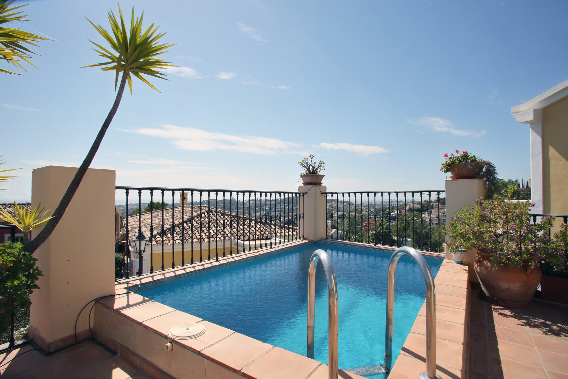 Excellent Villa in Nueva Andalucia