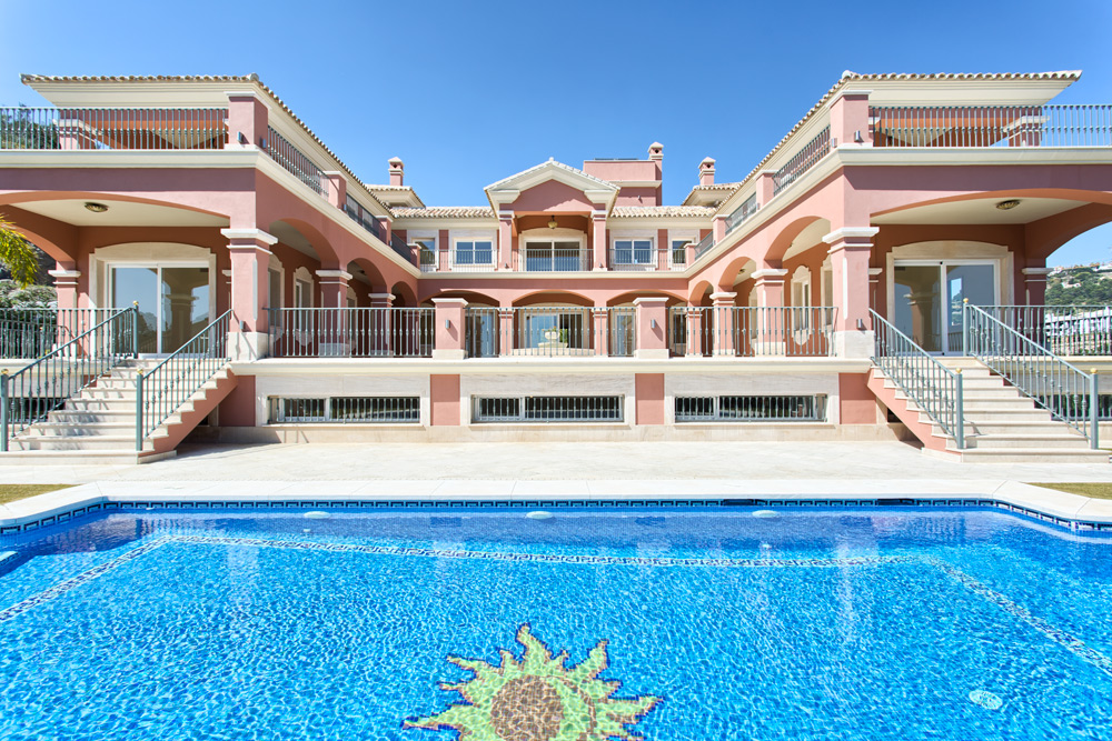 Incredible villa in Los Arqueros