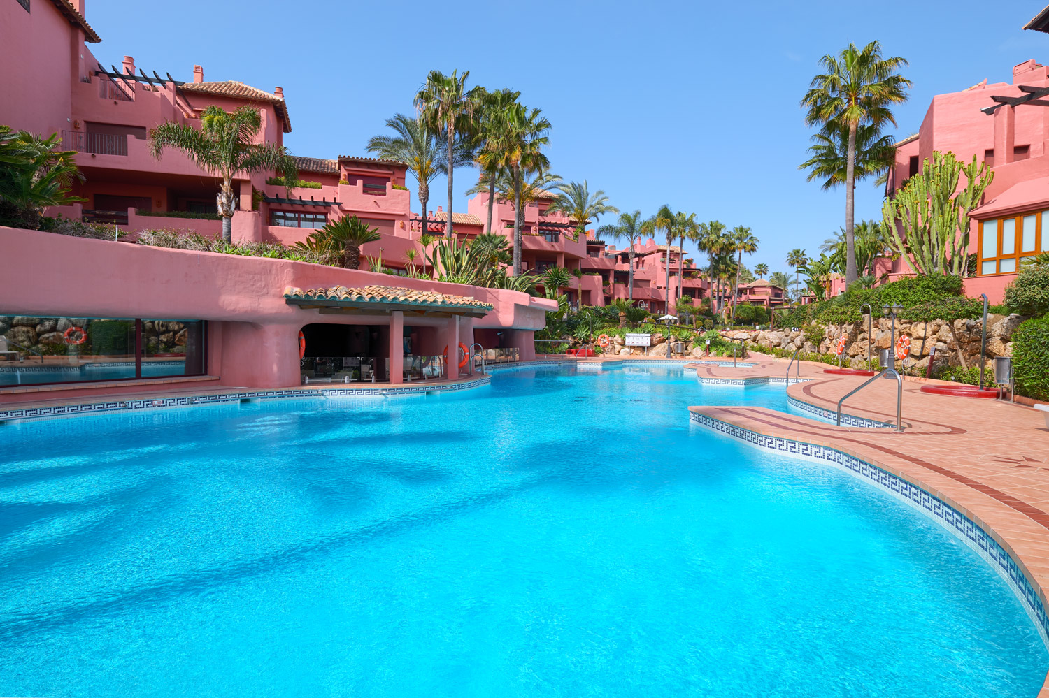 Apartment in Menara Beach , Estepona