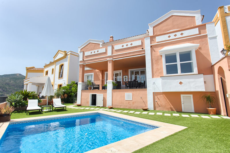 Superb townhouse in Monte Mayor , Benahavis