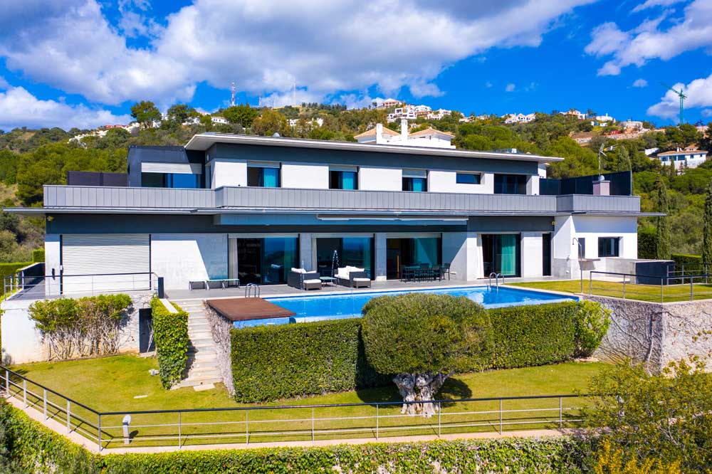 Superb villa in Los Monteros